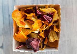 Chips croustillantes d'épluchures de légumes
